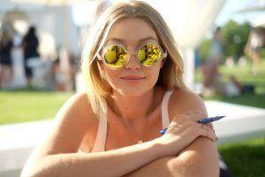 Cum îți alegi ochelarii de soare potriviți. Lentilele negre nu sunt neapărat mai bune!