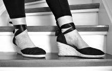 De ce se UMFLĂ picioarele vara și care sunt cele mai bune SOLUȚII naturale