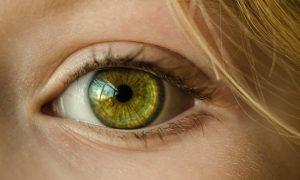 Simptome care îți spun că ești în pericol să-ți pierzi vederea. La fiecare 5 secunde, o persoană orbește