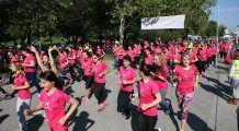 Bucureștenii aleargă pe 30 septembrie pentru supraviețuitoarele cancerului de sân
