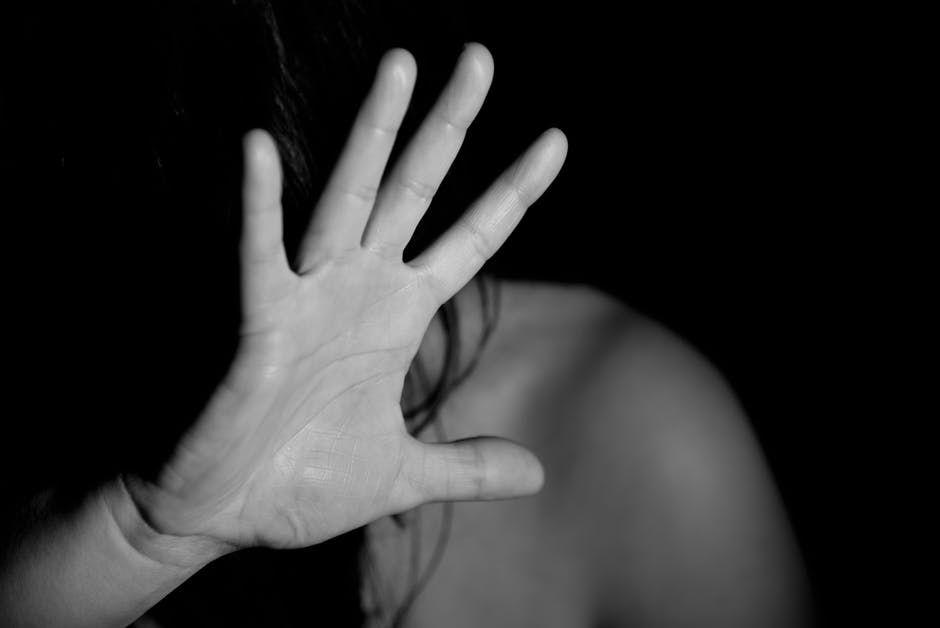 Agorafobia sau frica de frică, boala care pune stăpânire pe tine. Este cea mai răspândită fobie din lume. Află cum poate fi tratată