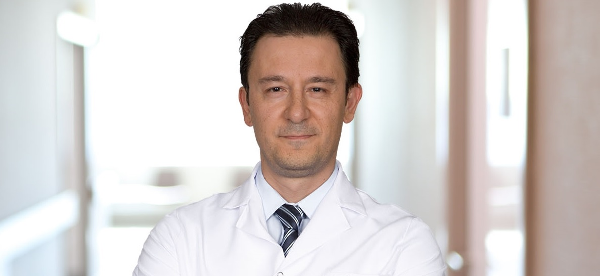 """Medic oncolog: """"Balonarea, indigestia și greața pot fi simptomele unui cancer ovarian"""""""