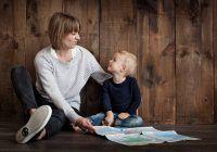 """Psiholog: """"Nu banii îi vor aduce siguranţă copilului, ci timpul de calitate petrecut cu el"""""""