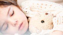 Ce pot face părințiipentru a-şi ajuta copilul să adoarmă uşor şi să aibă un somn odihnitor