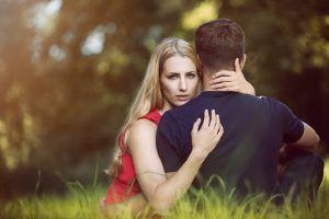 Cele mai clare semne că partenerul de viață te înșală. Sfaturi de la un detectiv particular