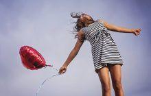 Cum ne putem îmbunătăți starea de spirit alimentându-ne corect. 12 ALIMENTE care ne aduc zâmbetul pe buze