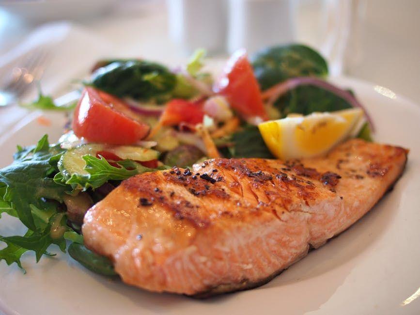 Ce tip de pește te ajută să slăbești, garantat! Toți nutriționiștii laudă acest aliment-medicament