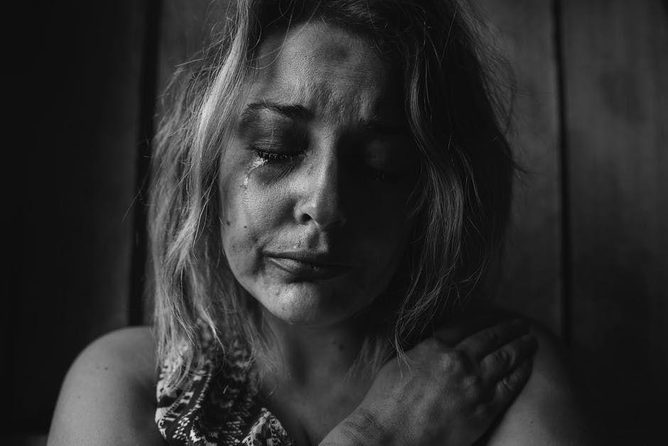 Ce lucruri incredibile se întâmplă în corpul tău după o repriză de plâns