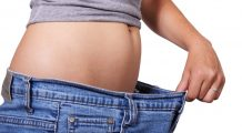 """Alimentul care echilibrează flora intestinală și te ajută să """"topești"""" grăsimea de burtă"""