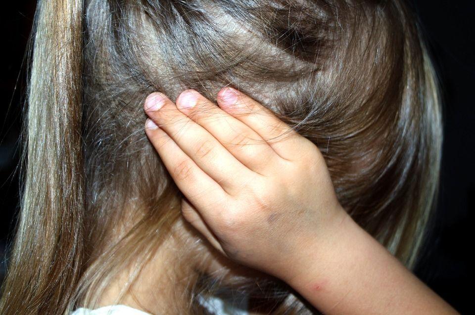 Nu loviți copiii! Îi transformați în persoane violente, agresive și antisociale