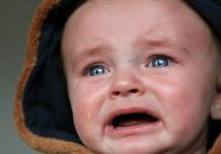 De ce plâng copiii. Cinci motive explicate de un pediatru renumit