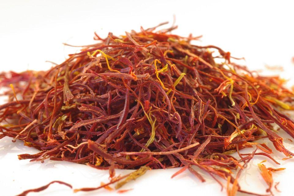 Șofranul, cel mai scump condiment din lume, supranumit AURUL ROȘU. Proprietățile lui sunt INCREDIBILE