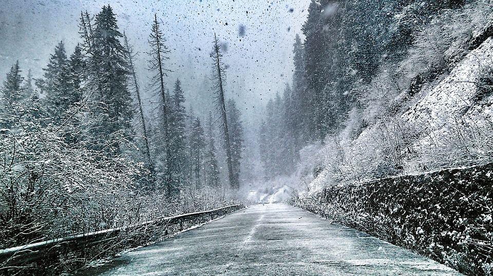 Vremea schimbă foaia! Ce surprize MAJORE ne așteaptă în weekend, când două CICLOANE se vor întâlni în România
