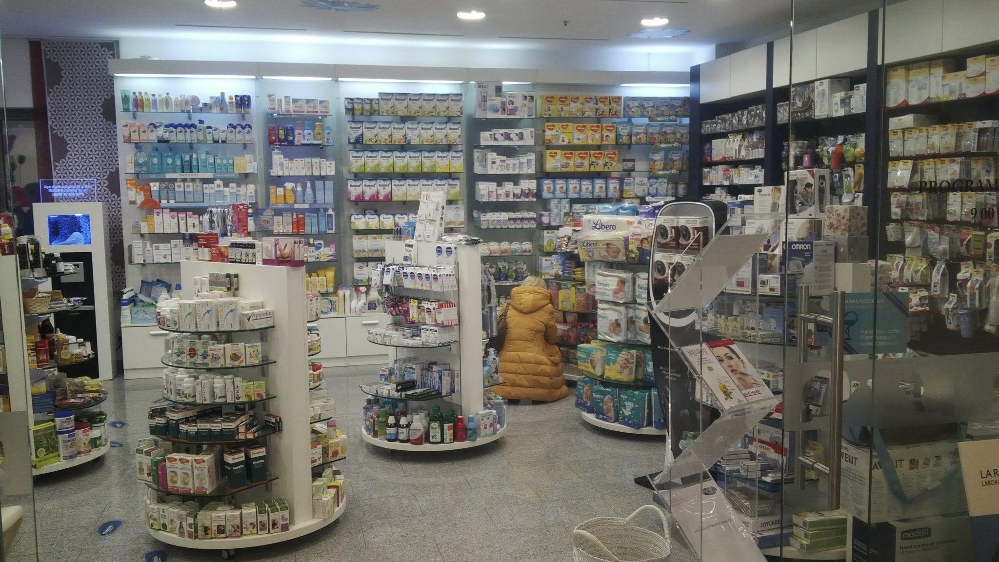 Tranzacția ANULUI pe piața FARMA, în valoare de milioane de euro. Un cunoscut lanț de farmacii a fost VÂNDUT
