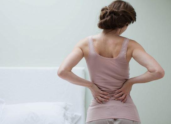Sângele în urină și durerile de spate sunt SEMNELE acestui CANCER! Dacă le ai, mergi de urgență la MEDIC