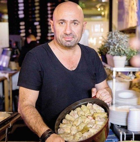 Cum faceți cele mai bune SARMALE? Chef Scărlătescu a dezvăluit rețeta sa SECRETĂ și trucuri din bucătăria sa