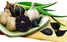 Ce este usturoiul negru și la ce folosește. Proprietățile lui sunt uluitoare, distruge 14 tipuri de cancer