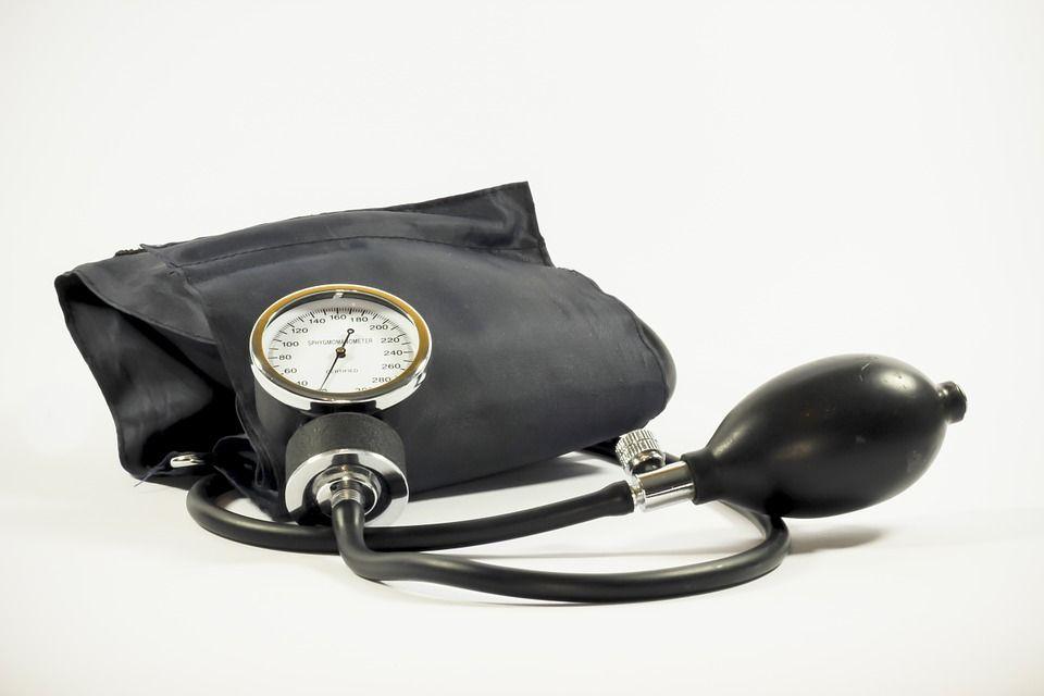 Un medic sportiv a dezvăluit trucuri de SCĂDERE a tensiunii arteriale în 5 minute fără medicamente!