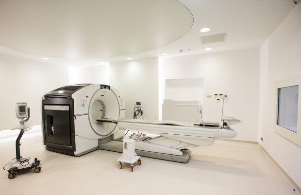 Cel mai MODERN centru integrat de MEDICINĂ NUCLEARĂ a fost inaugurat la SPITALUL MILITAR. Care sunt COSTURILE serviciilor medicale LA CERERE