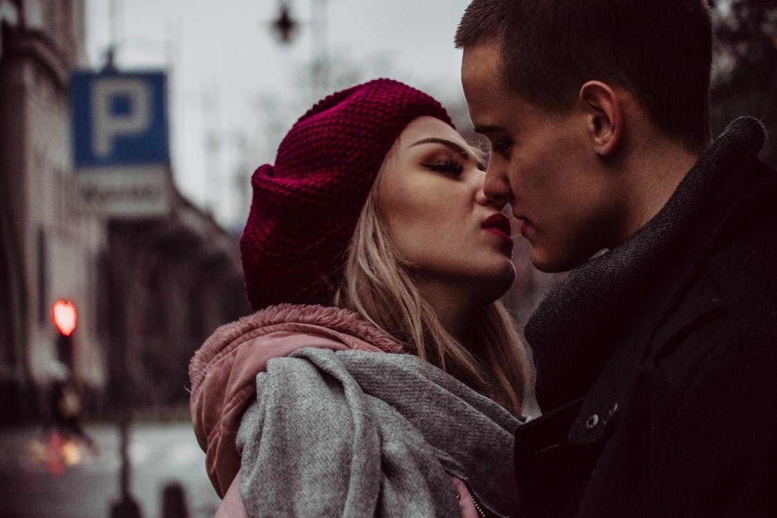 Conexiunea sexuală între partenerii de viață  nu este simplă și nici mereu  la îndemână