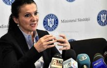 Ministrul Sănătății speră să dispară obiceiul banilor în plic pentru doctori, odată cu majorările salariale