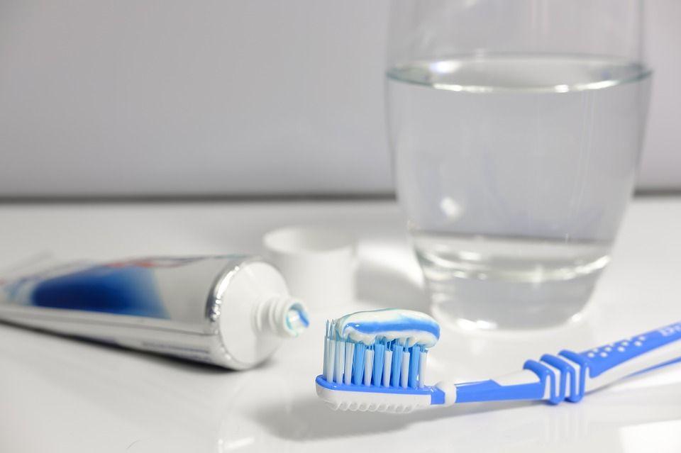 România, codașă la IGIENA ORALĂ! În medie, un român se spală pe dinți o dată la trei zile