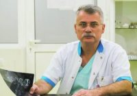 Dr. Vicențiu Săceleanu a INVENTAT o soluție REVOLUȚIONARĂ pentru repararea defectelor cutiei CRANIENE. Medicul român, multiplu premiat