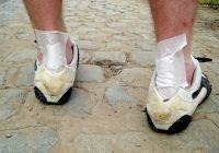 Cum să ne alegem pantofii, ca să nu facem niciodată BĂȘICI. Sfaturi de la specialistul podolog