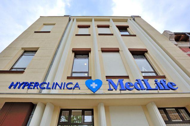 MedLife a cumpărat Polisano