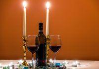 Leacuri de vremea lui Hipocrate. Ce proprietăți miraculoase are vinul cu pătrunjel sau pelin