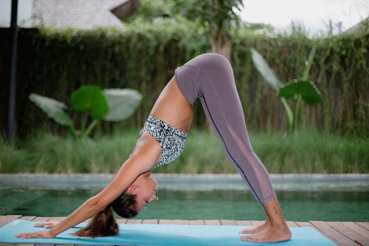 """Yoga trece pe lista neagră a Bisericii Ortodoxe: """" Nu este un exercițiu, ci o autoîndumnezeire fără Dumnezeu!"""""""