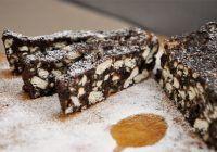 Delicios și sănătos. Salam de biscuiți fără zahăr, gata în 10 minute