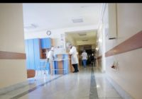 E revoltător cum a fost tratată de medici o fetiță de 10 ani cu mâna ruptă. Familia ei a depus plângere la Ministerul Sănătății