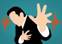 Simptome neobișnuit care prevestesc un infarct cu o lună înainte. Atenție la durerile de maxilar!