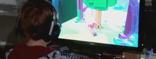 """Caz INCREDIBIL de DEPENDENȚĂ în Marea Britanie! Cum a ajuns un adolescent din pricina jocurilor video. Mama lui: """"El nu mai există decât online"""""""