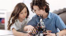 EDUCAȚIA de acasă și de la școală a copiilor SUPRADOTAȚI. Ei se afirmă din fașă!