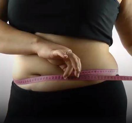 GRĂSIMEA abdominală face RAVAGII în organism. Câte probleme vin la pachet cu o talie îngroșată