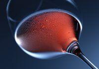 Vinul, un dar de la Dumnezeu, dar numai  dacă ştim să îl bem…