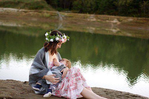 """Colostrul, primul """"vaccin"""" al nou-născutului. Ce beneficii uimitoare are alăptarea la sân"""