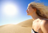 Soarele, principalul dușman al pielii. Cum ne protejăm de cancerul de piele