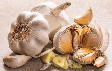 Când și mai ales cum consumăm usturoiul pentru beneficii maxime. Poate determina tulburări severe