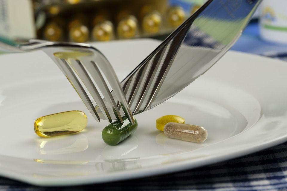 Nu consuma niciodată aceste alimente când iei medicamente, reacțiile pot fi foarte grave