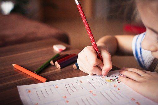 Proiect de îmbunătățire a calității vieții pentru copiii cu deficiențe auditive și vizuale