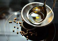 De ce e complet contraindicat să prăjiți de mai multe ori, în același ulei?
