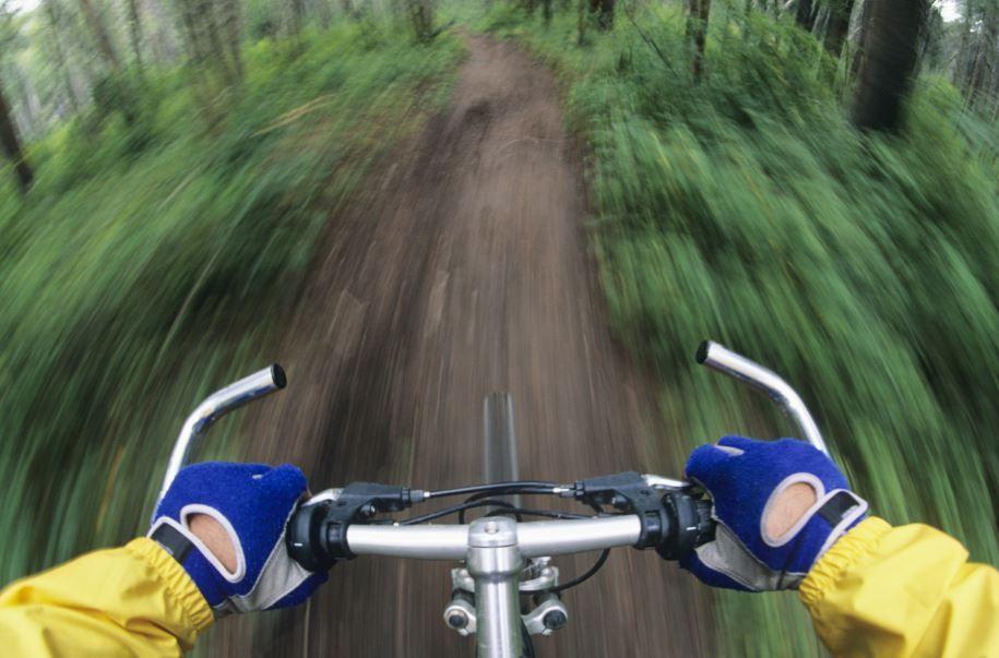 Bărbații care merg mult cu bicicleta riscă să devină impotenți? Mit sau adevăr?