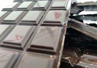 Ciocolata neagră are beneficii uimitoare pentru sănătate. De ce recomandă medicii consumul a 12 g pe zi