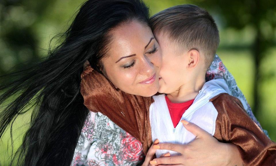 Cercetătorii au decis. De unde moștenesc copiii inteligența? De la mamă sau de la tată?