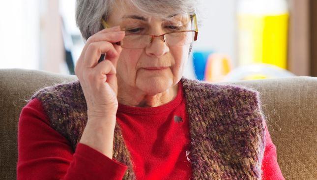 Bani de ochelari pentru pensionari – programul inițiat de Primăria Capitalei începe. De azi, puteți depune dosarele