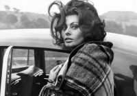Sophia Loren, un simbol de feminitate și frumusețe răvășitoare, cea mai dorită femeie în anii '50! Marea actriță împlinește astăzi 84 de ani