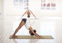 5 pozitii de yoga care te ajuta sa iti imbunatatesti viata sexuala